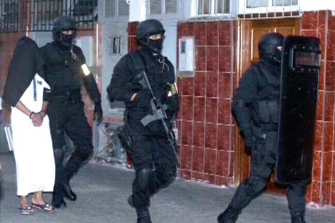 """المغرب يعتقل """"دواعِش"""" ويحجز موادّا تمكّن من صناعة المتفجرات"""