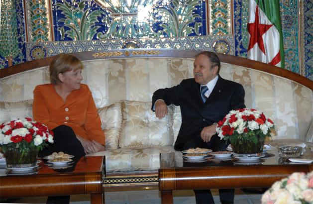 """أين الرئيس .. ؟ الجزائر تعلن """"تعذر"""" بوتفليقة لاستقبال ميركل"""