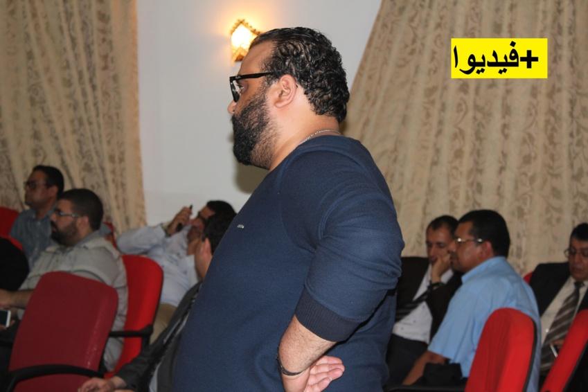 """شاهدد الصحفي """"رمسيس بولعيون"""" وهو  يطالب وزير الداخلية بإعتذار رسمي من طرف وزراء لشعب الريف الذي وصفوه بالإنفصالي"""