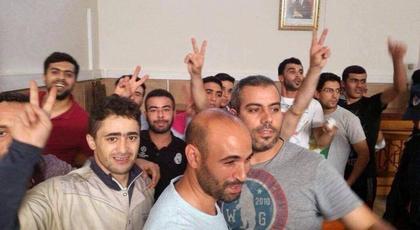 """جلسة """"ساخنة"""" لمعتقلي العيد بالحسيمة والمعتقلون يصدحون"""" عاش الريف"""""""