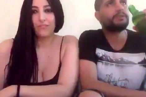 صحافي مغربي يعرض زوجته على مواقع بورنوغرافية من أجل المال والشهرة ورفع عدد الزوار