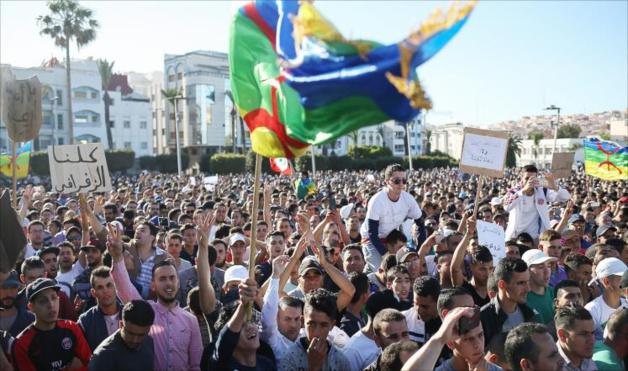 الرابطة المغربية للمواطنة وحقوق الإنسان تحيي حراك الريف وتدعو الدولة وشباب الحراك إلى الإعلان عن مبادرات جريئة للسلم والأمن .