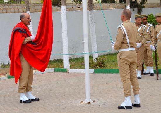 عامل الدريوش يترأس تحية العلم بمناسبة تخليدا للذكرى 64 لثورة الملك والشعب