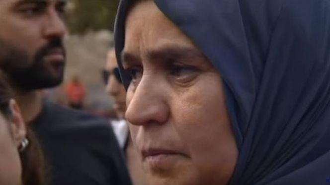 بالفيديو: هذا ما قالته والدة أحد المتهمين بتنفيذ اعتداء برشلونة