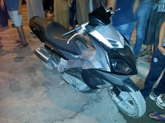 بالصور : إصابة شاب بعدما صدمته دراجة نارية وسط جماعة بن الطيب