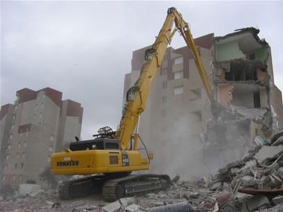 حملة هدم بنايات غير مرخصة بالحسيمة