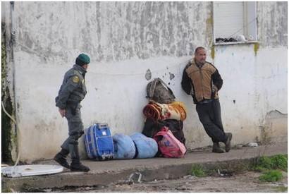 إيطاليا تشرد مئات المغاربة بدعوى الحد من معاناتهم