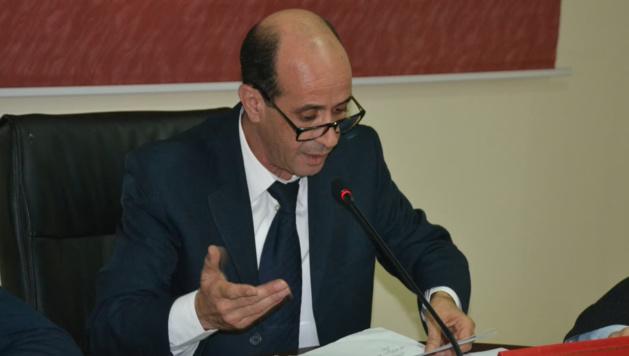 مثيــر:الأمن يصدّ محاولة رئيس جماعة بالدريوش حاول التدخل في ملف يتعلق بتورط اشخاص في الهجرة السرية