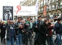 شاب مغربي ينتحر بفرنسا عشية ترحيله إلى المغرب