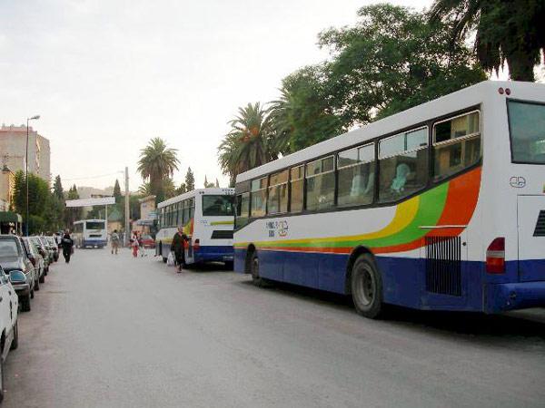 معاناة عمال مع شركة للنقل الحضري بوجدة مستمرة