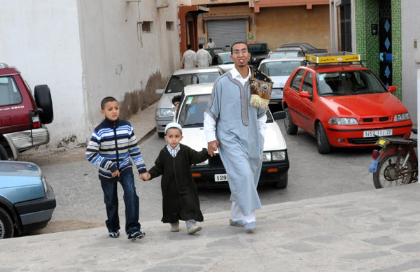 النّاظور: عناق عيد الأضحى حاضر رغم التحذيرات