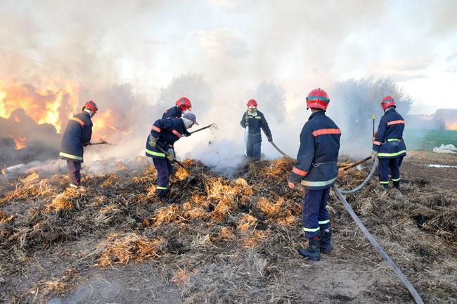 النيران تتسبب في عشر ملايين من الخسائر ببوعرك