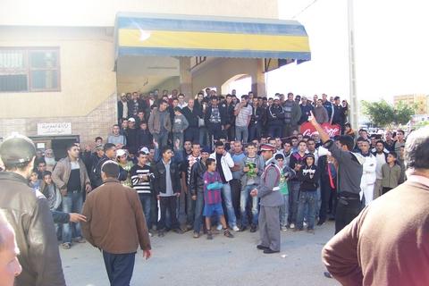 محاصرة معطلي بني بوعياش وسط غضب شعبي