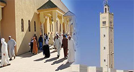 المئات من المصلين يغادرون مسجدا قبل خطبة الجمعة بالدريوش لهذا السبب
