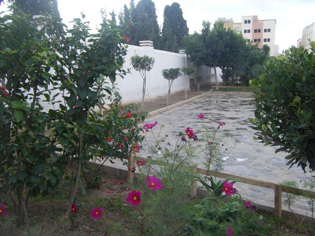 شتّان بين قبور المسلمين ومدافن النصارى بمدينة النّاظور