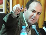 حزب العدالة والتنمية يهدد بمقاضاة حكيم بنشماس