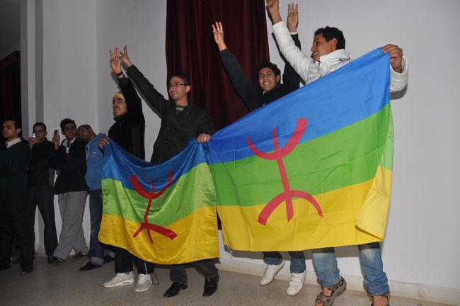 """الفنان """"علال شيلح"""" يدعو لتمكين الأمازيغ من تغيير أسمائهم"""