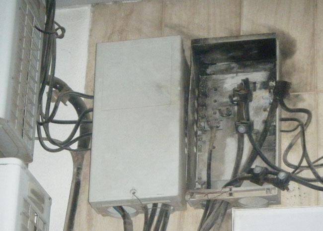 خطر الموت يعترض سبيل النّاظوريين بسبب شبكات الكهرباء