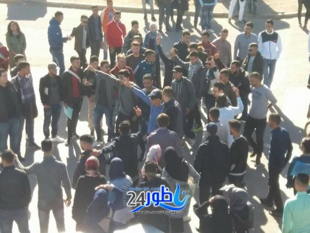 شاهد بالصور:المئات من طلبة كلية سلوان يستقبلون معتقل حراك العروي بعد أن عانق الحرية