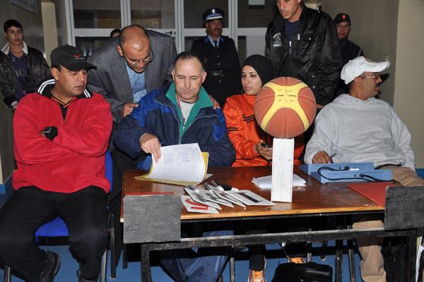 قاعة النّاظور للرياضات تحتضن لقاءً جهويا في كرة السلّة