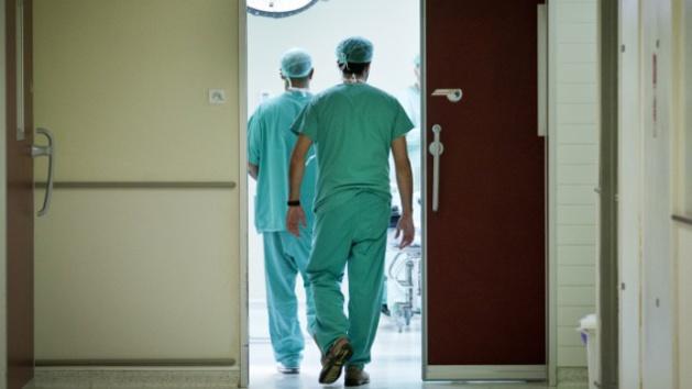 أطباء القطاع العام يخوضون إضرابًا وطنيًا بالمؤسسات الصحية