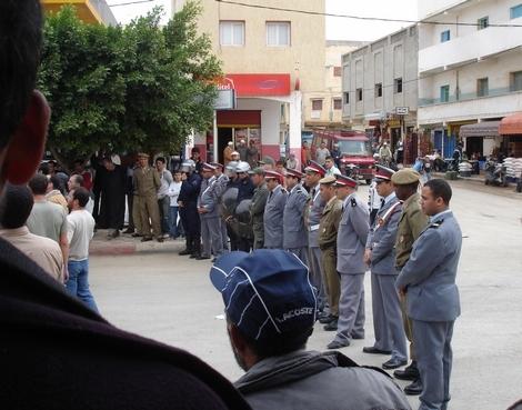 معطلي بني بوعياش يستقبلون والي الجهة بإحتجاجات صاخبة