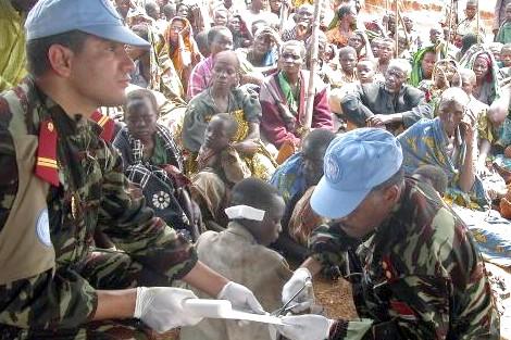إفريقيا الوسطى.. القبعات الزرق المغاربة يحررون 15 رهينة من المدنيين