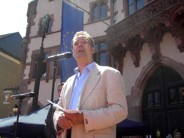 فرانكفورت : وقفة سلمية حاشدة  للتنديد بالمجزرة الإسرائيلية