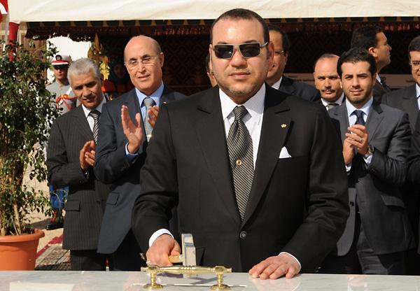 صحيفة إل باييس الاسبانية : الملك محمد السادس بأسلوب خاص يغيير وجه المغرب في اتجاه نموذج مجتمعي منفتح وحديث