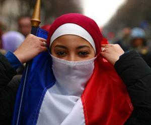 مُتَحَجبات ضد الحجاب