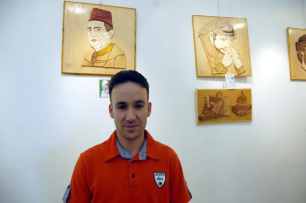 لأول مرة برواق المغرب العربي في وجدة والجهة الشرقية، فنان واعد يعرض لوحات في فن الإنتارسيا