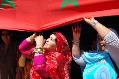 البوليساريو  ضد الصحراويين الذين هربوا من مراقبتهم من أجل العودة إلى المغرب.