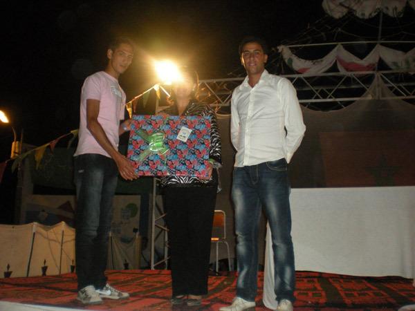 بمناسبة إختتام فعاليات المخيم الوطني الأول للشباب بالسعيدية جمعية أصدقاء التلميذ تكرم النائبة الاقليمية لوزارة الشباب والرياضة ببركان