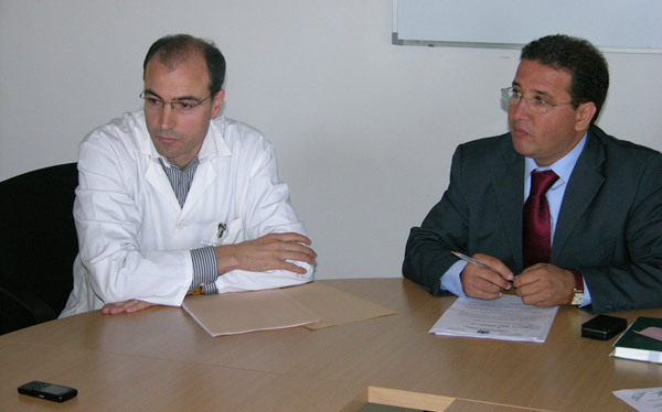 لقاء صحفي لمندوب الصحة بمقر المركز الجهوي للانكولوجيا بالحسيمة