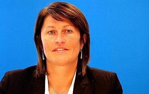 """قانون سحب الجنسية البلجيكية عن المهاجرين موضوع حلقة برنامج """" إمركواج"""" على إذاعة المنار ببلجيكا."""