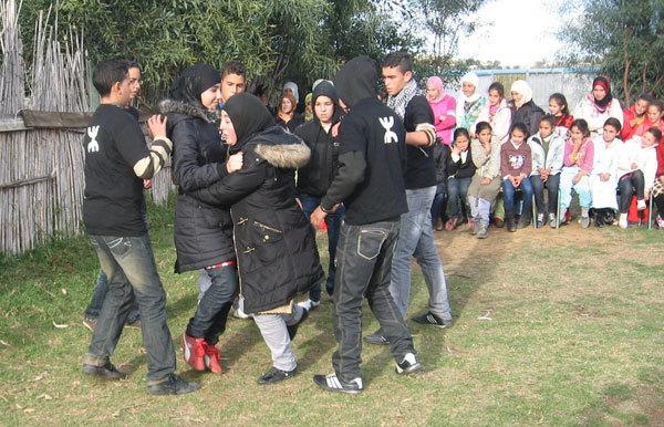 جمعية آيث حذيفة للثقافة و التنمية في أنشطة تربوية و فنية كبرى بمنطقة توفيست