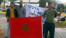 نشطاء مغاربة يحتجون قبالة مقر مندوبية الحكومة الاسبانية بمليلية