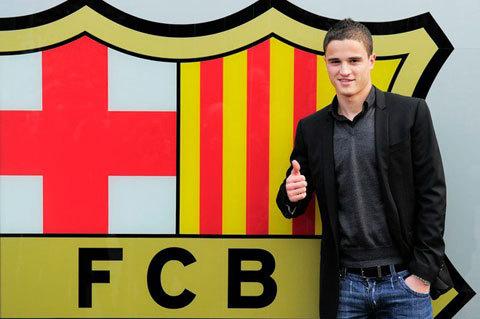 أفيلاي يصل إلى برشلونة اليوم ويقدم للجمهور غدا