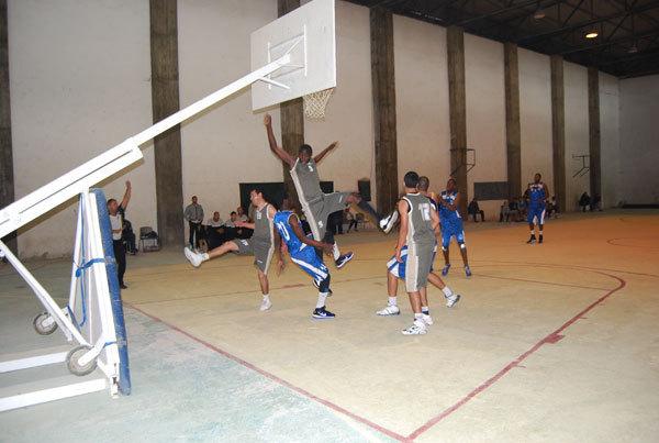 اثري الريف الرياضي الناظور لكرة السلة يعود بانتصار من خارج قواعده