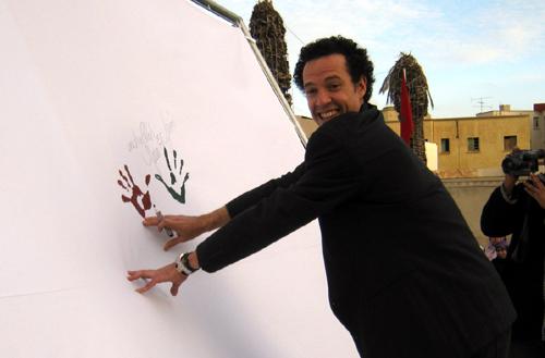 يحضرها  البطل يونس العيناوي،  تظاهرة في وجدة من أجل دعم ملف ترشيح المغرب لكأس إفريقيا للأمم
