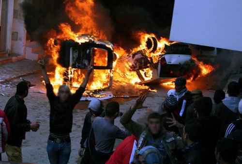 تجمع اليسار الديموقراطي بالريف يقيم أحداث الحسيمة و يعلن استمراره في دعم الإحتجاجات