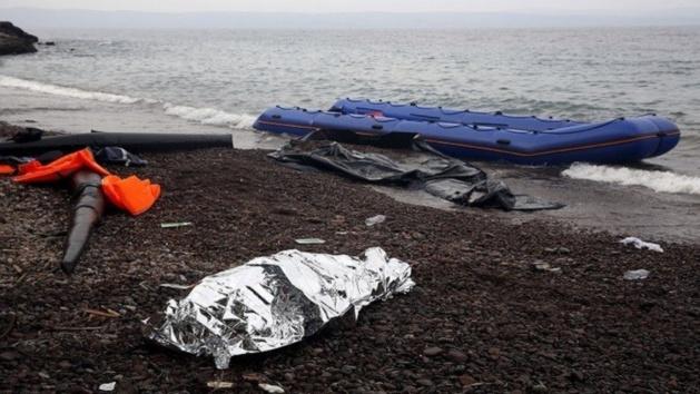 أمواج شاطئ برباتي باسبانيا تلفظ جثة مهاجر مغربي شاب