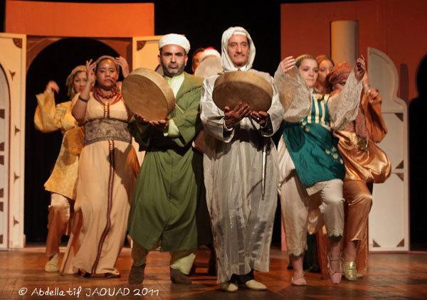 أي دور للفنان المسرحي المغربي ضمن حركة 20 فيراير الشبابية ؟ا