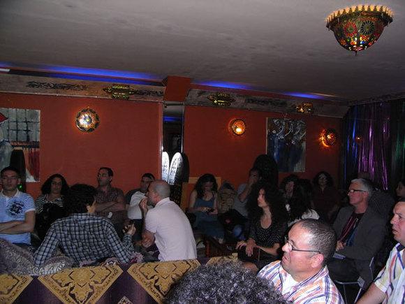 حركة 20 فبراير و الإستثناء المغربي تناقش بهولندا