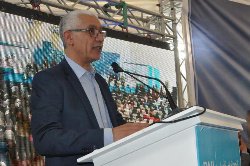 بالفيديوا: وزير الرياضة يعد الناظوريين بإنشاء مركب رياضي ويطالب المسؤولين بضرورة إعادة أمجاد فريق هلال الناظور