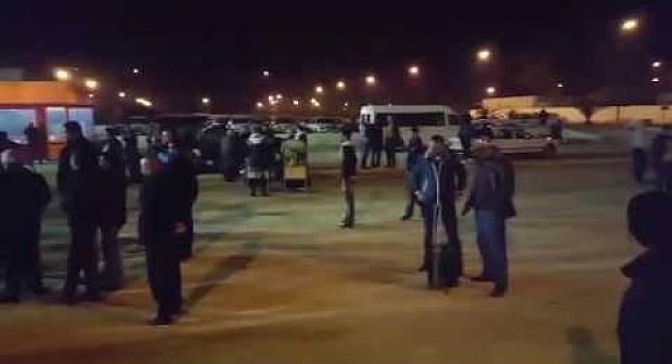استنكار واستياء كبيرين للمواطنين من تسعيرة موقف السيارات بمطار العروي
