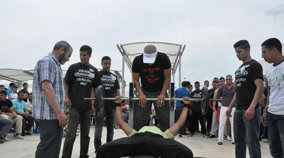 ميجا سبور تقدم احسن نشاط في رياضة حمل الاثقال بالمنطقة