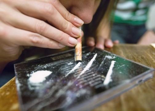 من يحمي شباب ضواحي زايو من المتاجرين بالمخدرات الصلبة ؟
