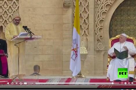 أمير المؤمنين يترأس بباحة مسجد حسان حفل استقبال رسمي على شرف قداسة البابا(فيديو)