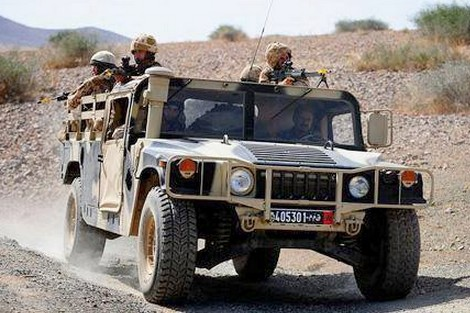 ضابط من مرتزقة البوليساريو يسلم نفسه اليوم لدورية للقوات المسلحة الملكية بالصحراء